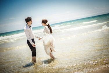 【体験談】線路やビーチ、スタジオの素敵なセットで撮影♡結婚式で披露するのが今から楽しみです♪(Mare Studio)